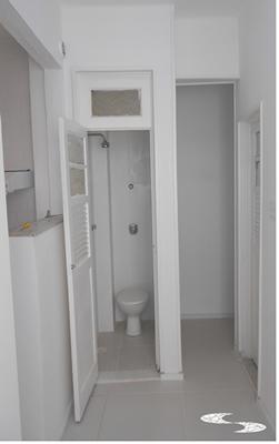 08-banho-e-entrada-de-servico_2